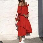 Schulterfreies Kleid Stufenoptik